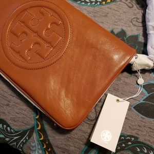 Tory Burch Bags - 💯% authentic...Brand New Tory Burch schouler Bag